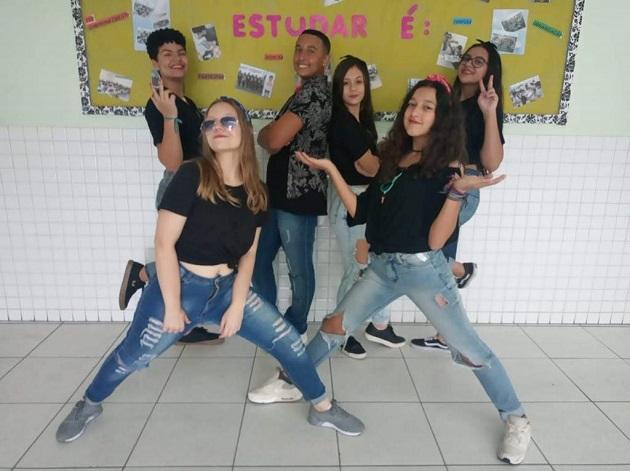 Alunos da Emef Gilberto Florêncio demonstram talento em arte regional e dança
